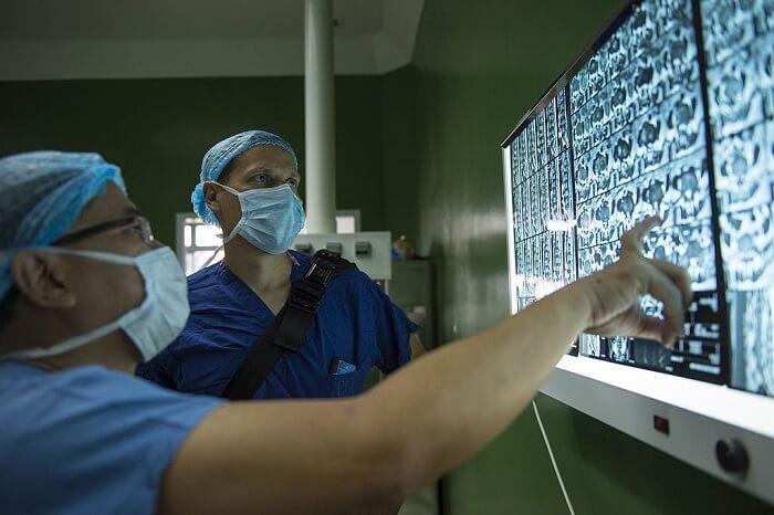 Neurosurgeon Salary – Salaries WIKI