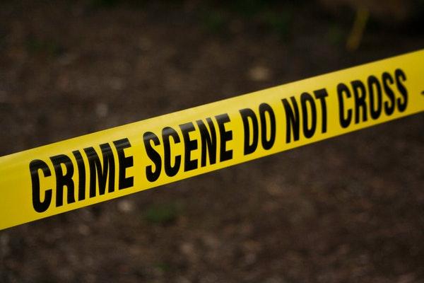 crime scene do not cross line signage